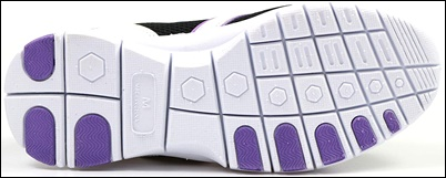 KANGOL SPORT2WAYスリッポンシューズは靴底が厚くクッション性に優れているので、足が疲れにくいナースシューズとしてオススメです。