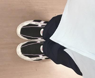 KANGOL SPORT2WAYスリッポンシューズの着用イメージ。当直勤務のシューズにおすすめです